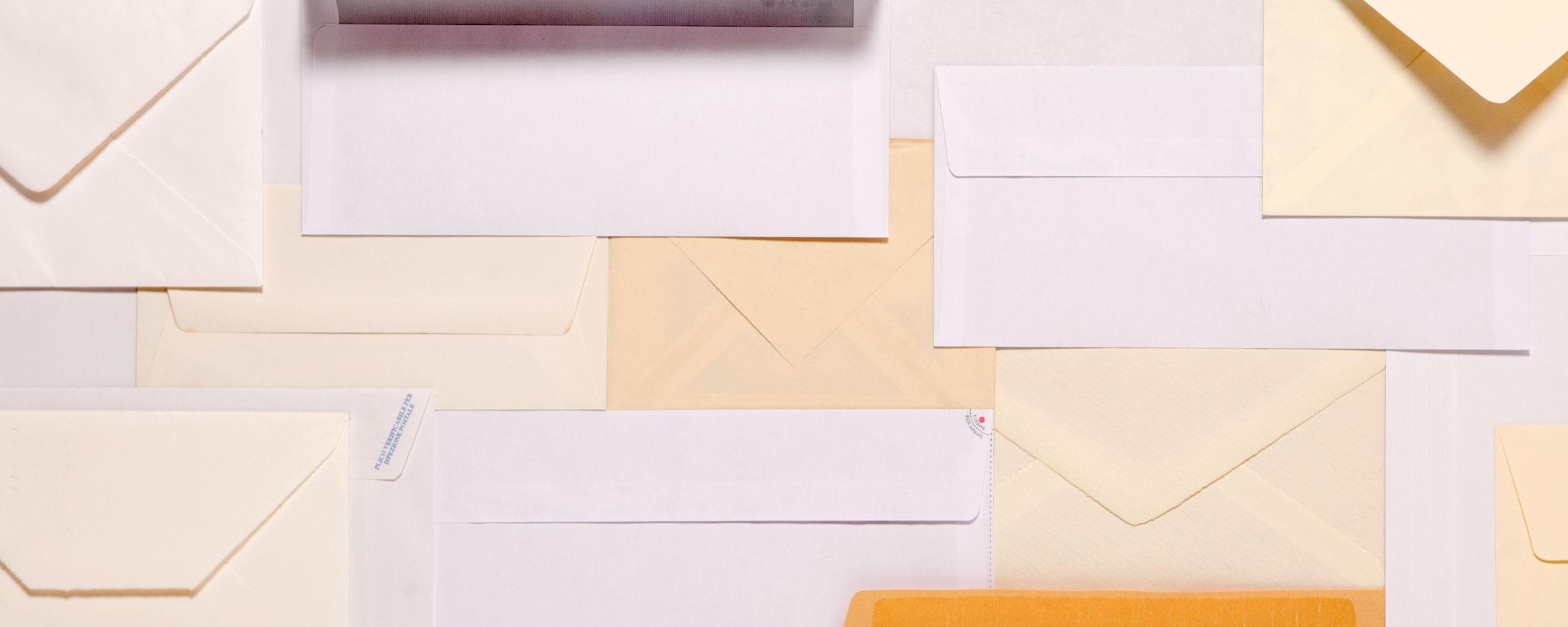 composizione collage still life buste lettere