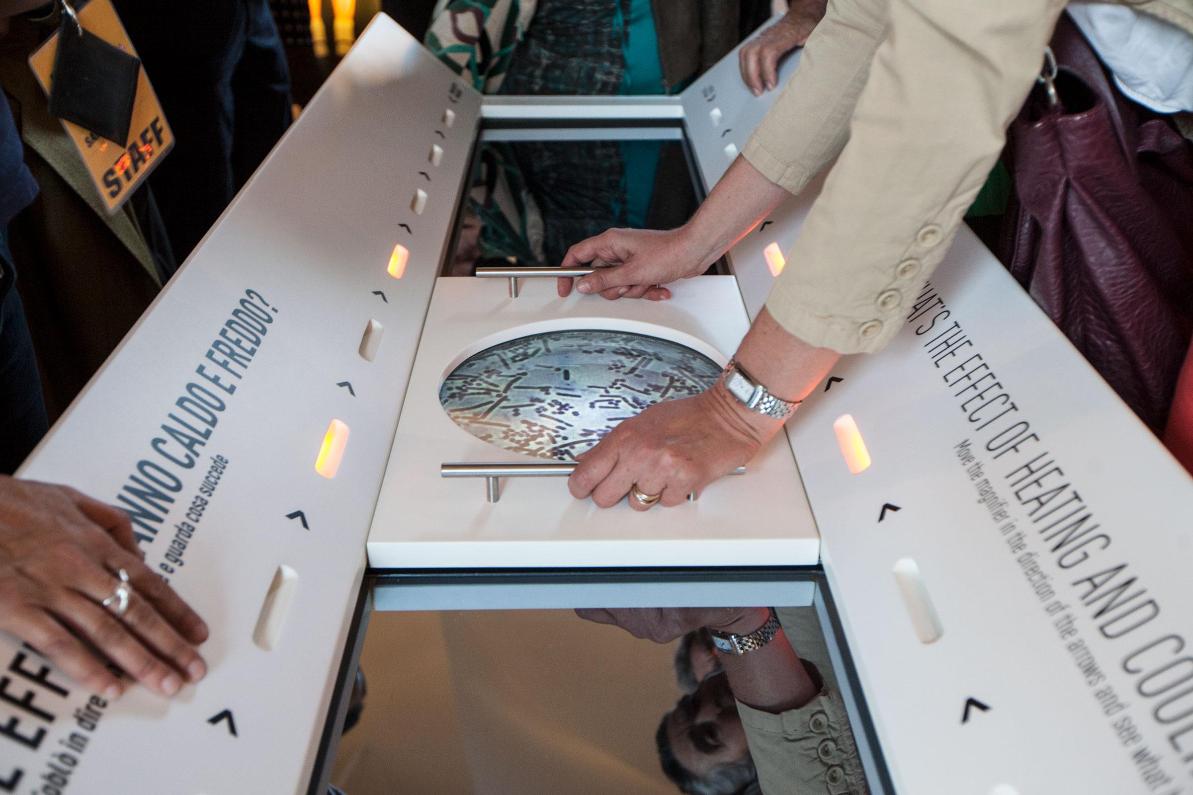 tavolo interattivo museo scienza tecnica milano